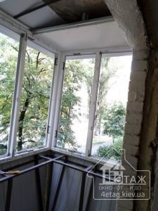 Остекление балкона с выносом в Глевахе - компания