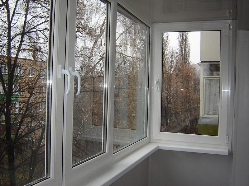 Скління балкона Хрущовка від 4ETAG®