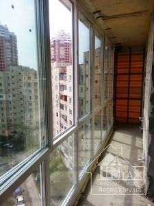 Французское остекление балкона специалистами компании 4 этаж