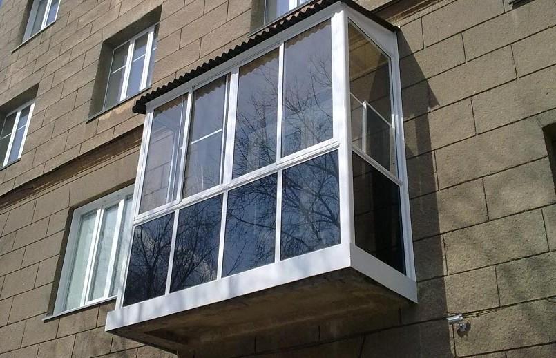 французское остекление балкона Вишневое