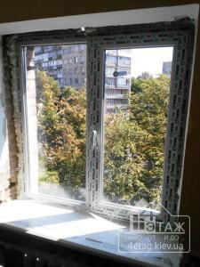 """Окно в профиле WDS 500 с серым уплотнителем от компании """"4 этаж"""""""