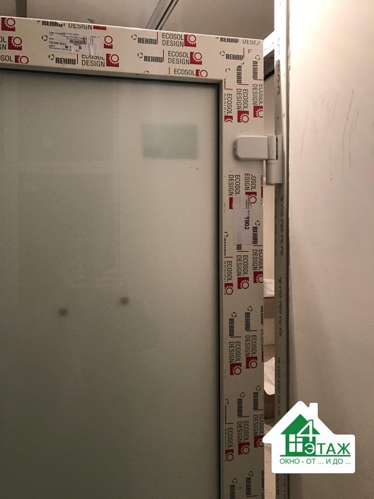 """Двери входные ПВХ в профиле Rehau, фото работы фирмы """"4 Этаж"""""""