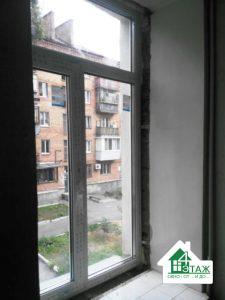 Т-образное окно Rehau в Киеве с установкой