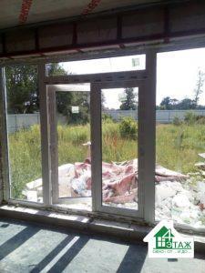 Вхідні пластикові двері Рехау, фото роботи бригади №4