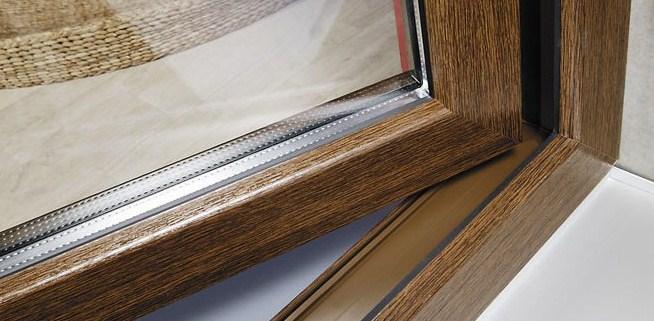 коричневые пластиковые окна