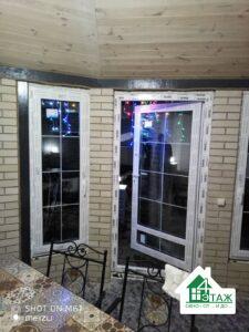 Металлопластиковые окна и двери со шпросами фото бригады 9