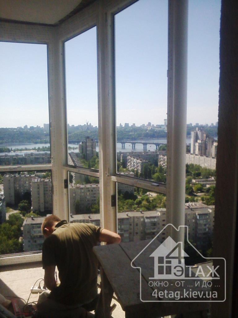 """Французьке скління балкону в компанії """"4 этаж"""" 4etag."""