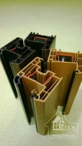 Образцы ламинированных окон в массе из профиля Rehau