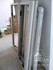 Остекление полукруглого балкона Rehau по доступным ценам
