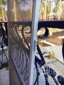 Качественные пластиковые окна и москитные сетки на балконные двери