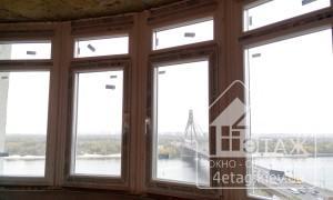 Окно с фрамугой при остеклении балкона - компания
