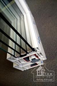 Теплое остекление балконов окнами DECCO 82 - компания 4 этаж