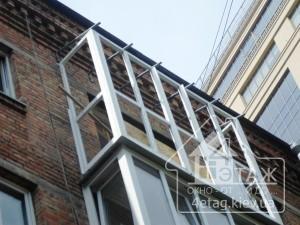 Преимущества французского остекления балкона Хрущевка