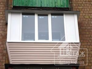 Преимущества остекления балкона Хрущевка в Киеве
