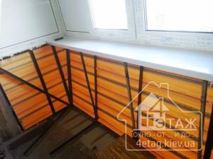 Остекление балкона с выносом по полу - компания
