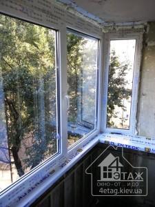 Остекление балкона Бровары окнами Рехау - компания