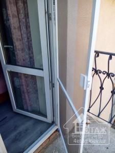 Установка дверных москитных сеток - сервисный отдел компании
